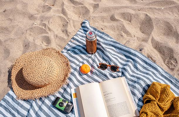 Bronzette sur la plage de Vendée