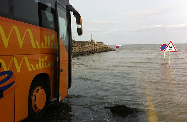 L'Île de Noirmoutier, bus au passage du gois