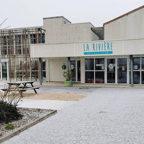 La neige est tombée au cœur du village club