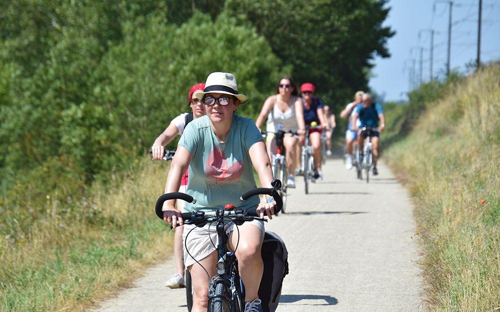 Cyclotouristes sur le chemin